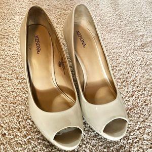 Shoes - Nude peep toe pumps